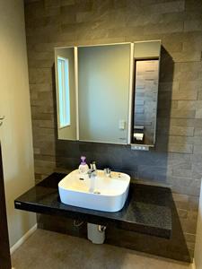 2階のトイレには手洗いを設けず、別途洗面所を設置