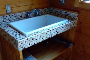 造作でつくった洗面台。思い通りのデザインが実現できた上、標準装備品より安くついたそうだ